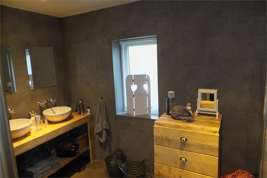 Beton Cire Waterdicht : Gevelbekleding schilderen badkamer met beton cire